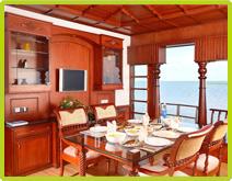 Premium Houseboats